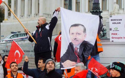 Türkische Nationalisten gegen Berivan Aslan
