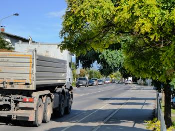 Permalink zu:Um eine Busspur auf der Tangente einzurichten, braucht es keine Stadtstraße